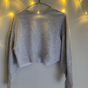 Grey Zara Cropped Crew-Neck Sweater!! 🪐